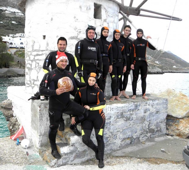 underwater cake cutting team from amorgos diving center